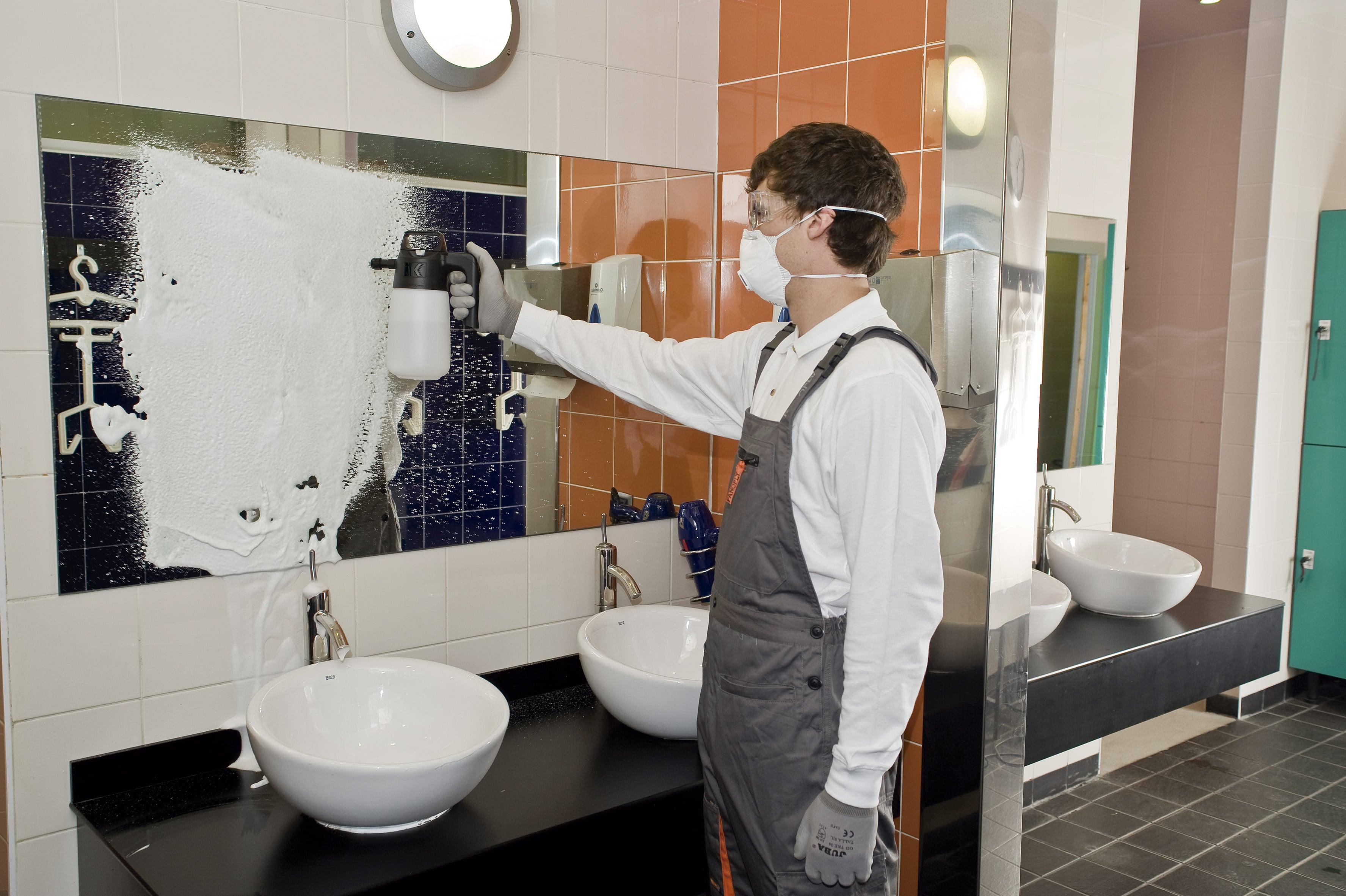 foam sprayer for washrooms